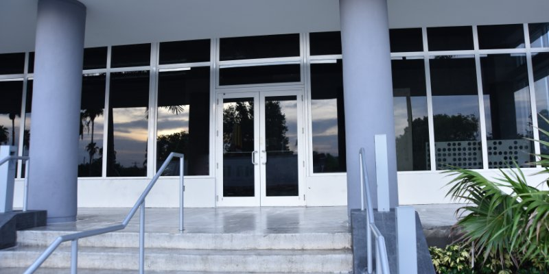 5 Things Every Architect & Owner Should Know about Commercial Impact-Resistant Entrance Doors and How to Select the Right Door